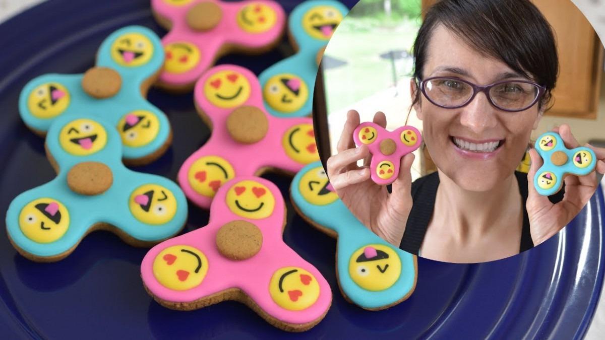 Fidget Spinner Emoji Cookies, Haniela's