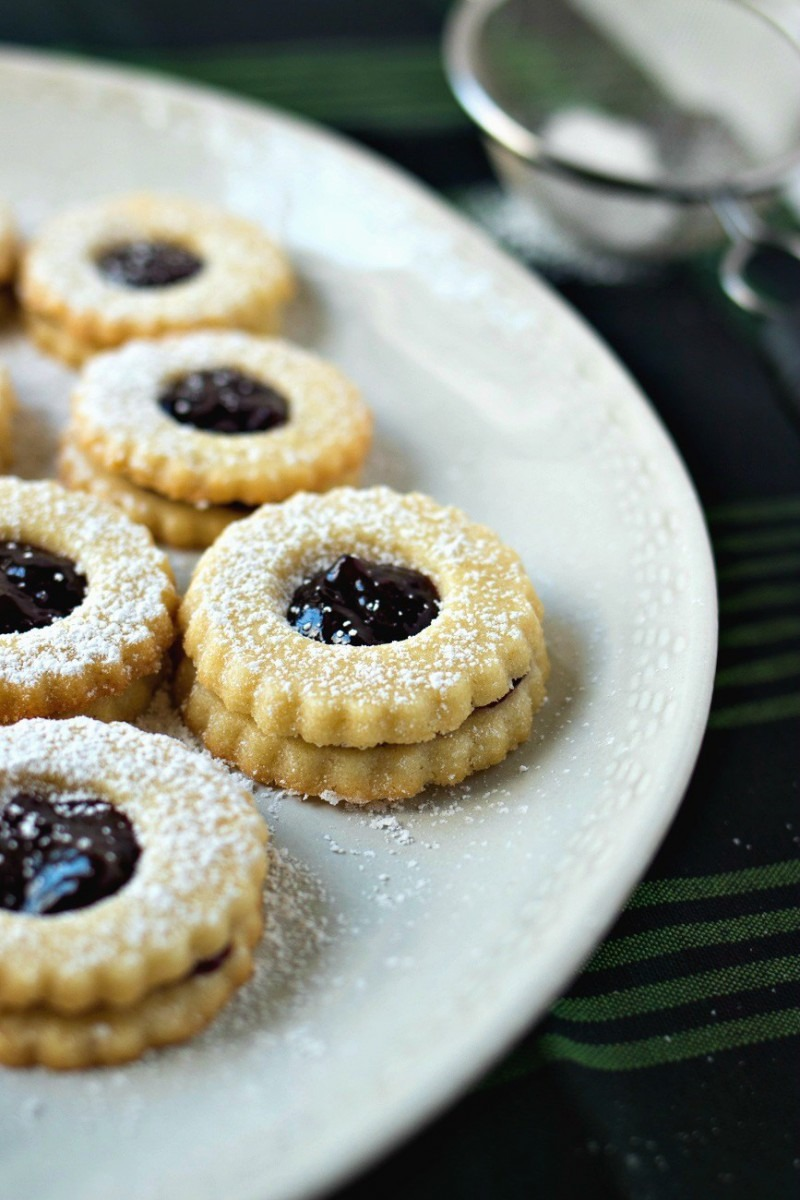 Raspberry Almond Linzer Cookies