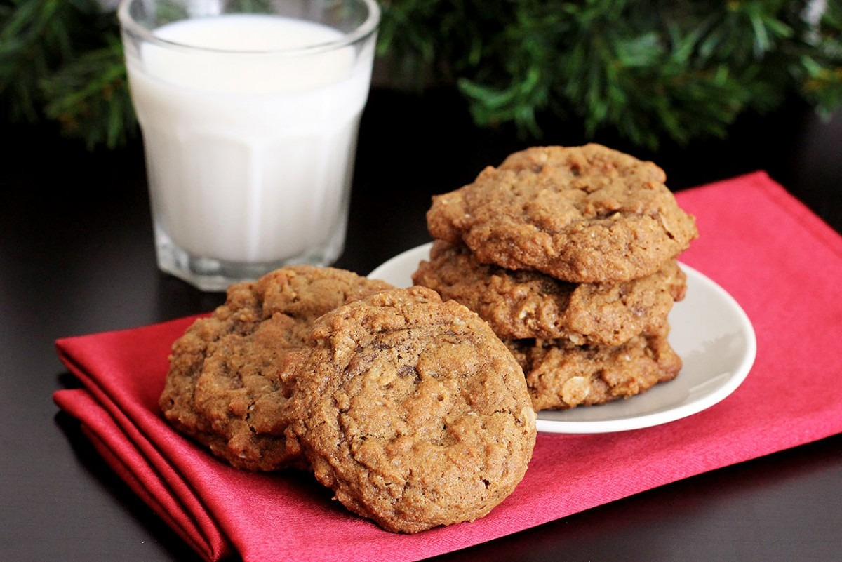 Spiced Molasses Oatmeal Cookies Recipe
