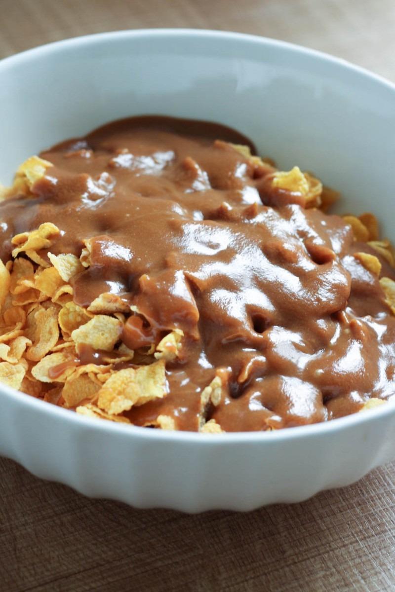 5 Ingredient Peanut Butter No Bake Cornflake Cookies