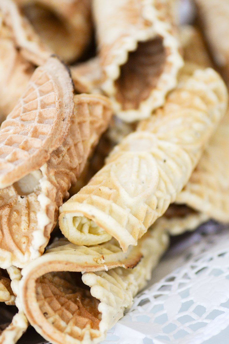 Traditional Italian Pizzelle Cookies