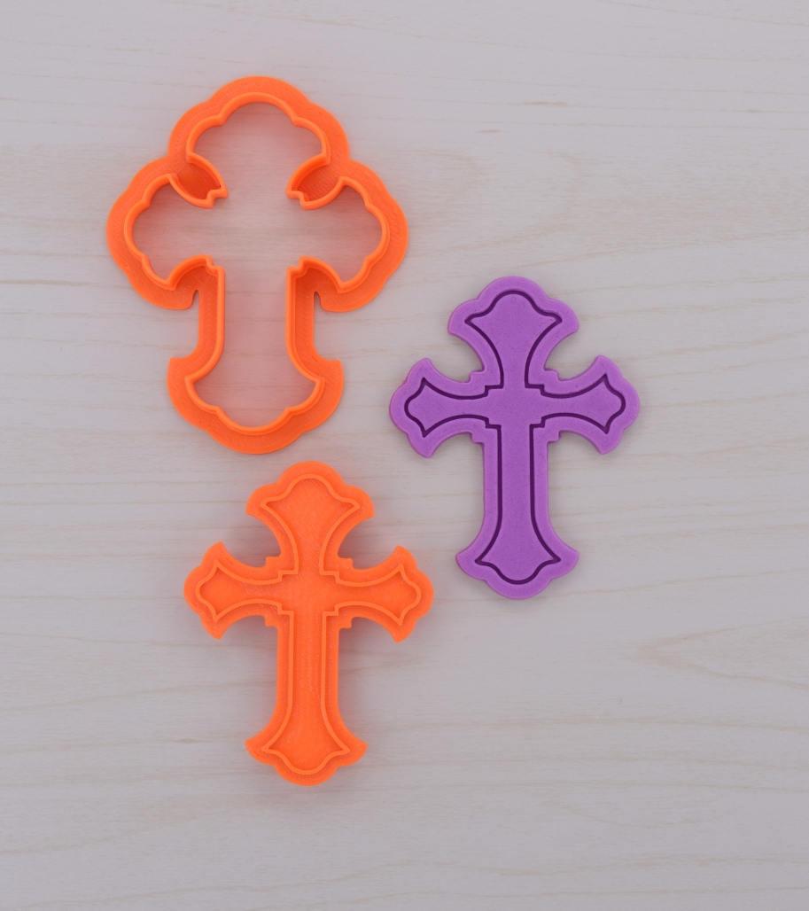 Trefoil Cross Cookie Cutter And Stamp Set ⋆ Cookiecutters4u