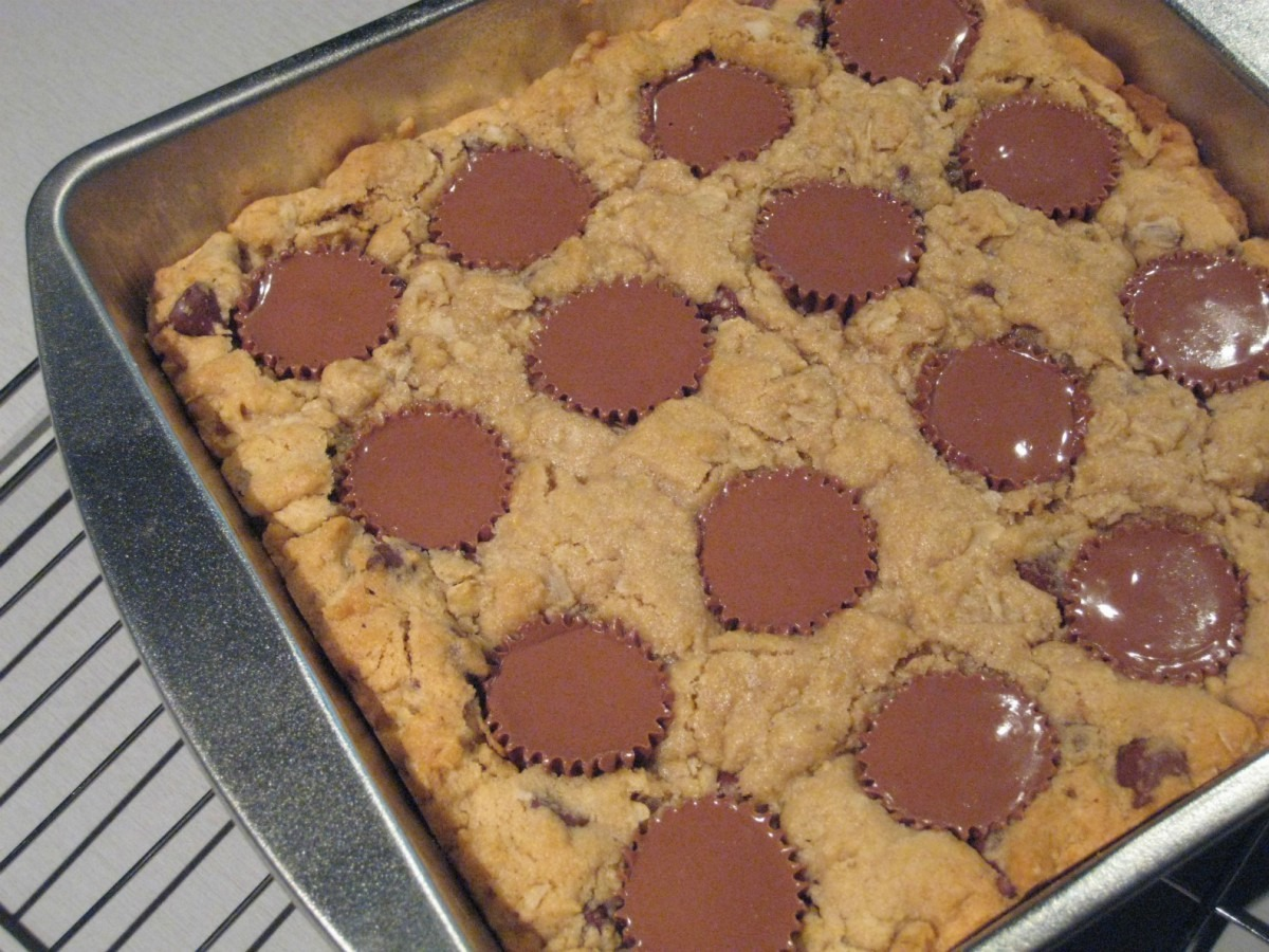 Peanut Butter Chocolate Chip Cookie Squares With Peanut Butter