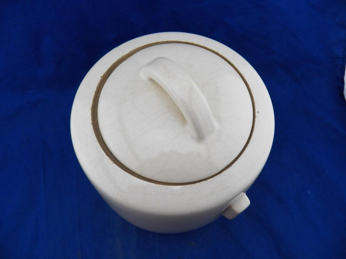 Vintage 1946 Mccoy Cookie Jar Canister Cream Red Hibiscus Flowers