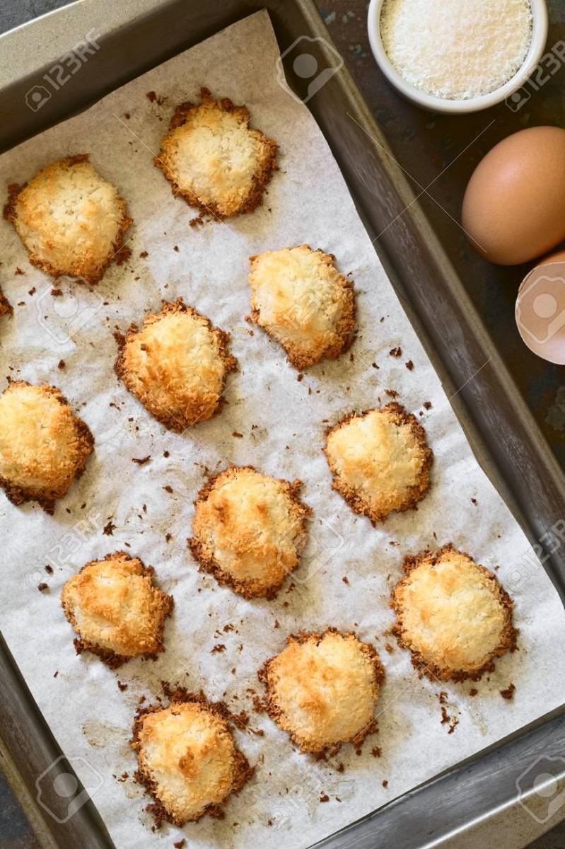 Homemade Coconut Macaroons (coconut Meringue Cookies) In Baking