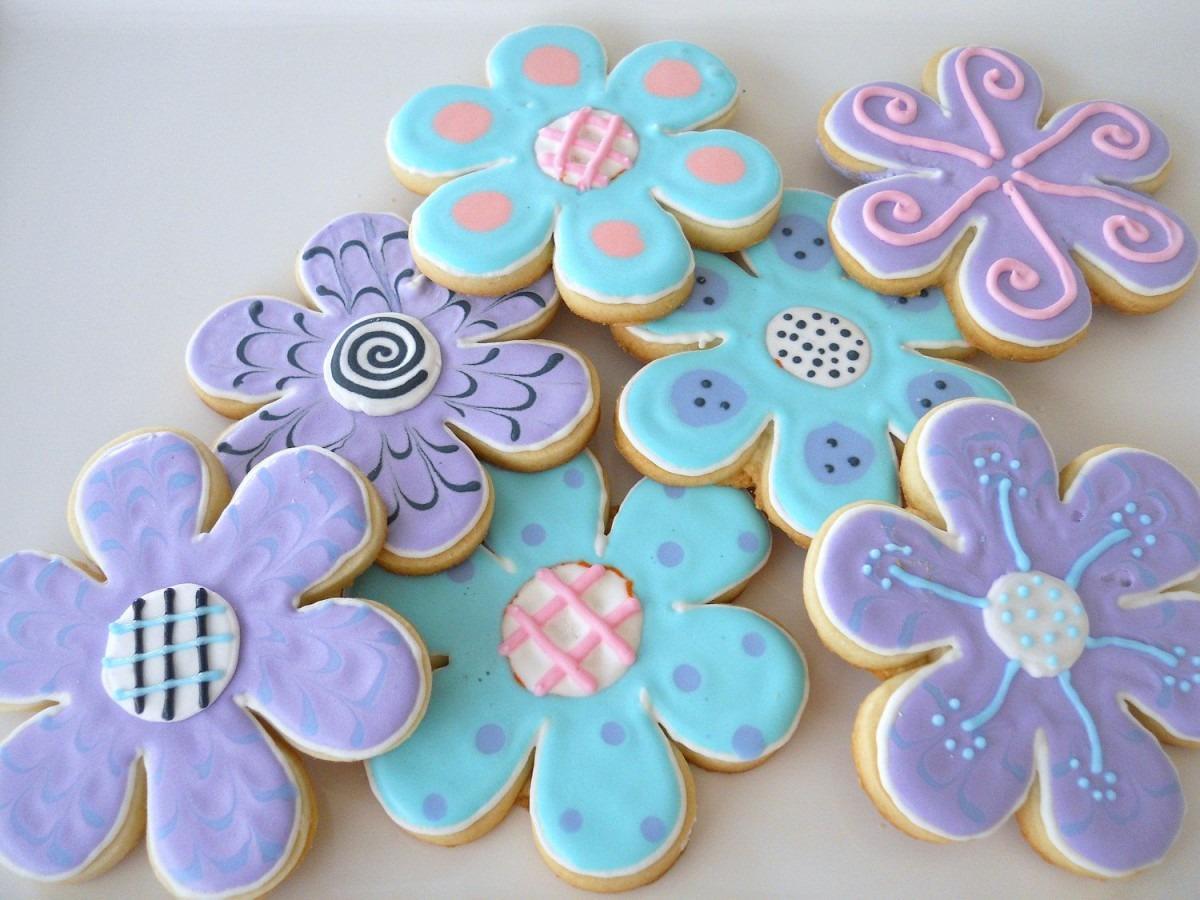 1 Dzn  Flower Sugar Cookie Favors  $21 95, Via Etsy