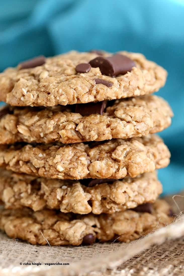 Oatmeal Walnut Chocolate Chunk Cookies