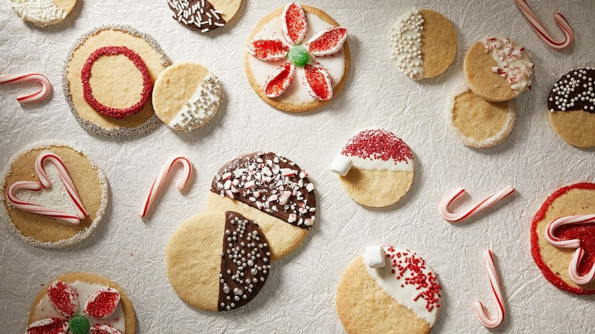 Decorate Holiday Cookies Like A Pro, No Matter Your Skill Set