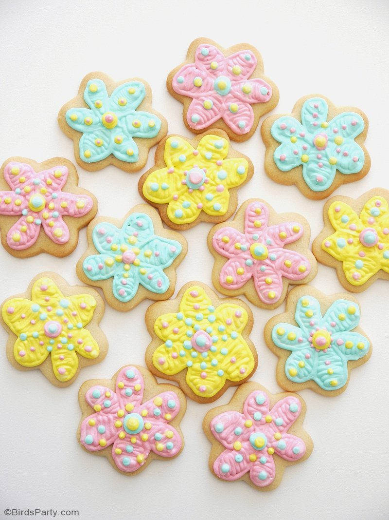 How To Decorate Flower Cookies The Easy Way!