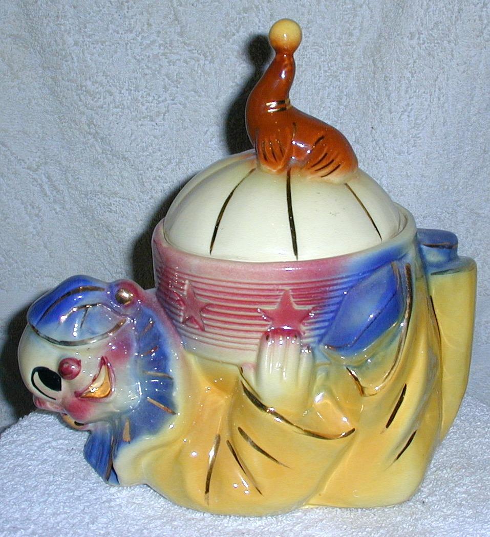 Shawnee Jo Jo The Clown ~gold Trimmed~ Collector Cookie Jar
