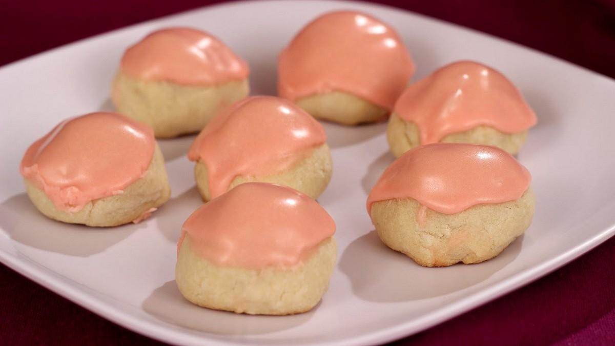 Maraschino Cherry Bonbon Cookies! What A Sweet And Easy To Make