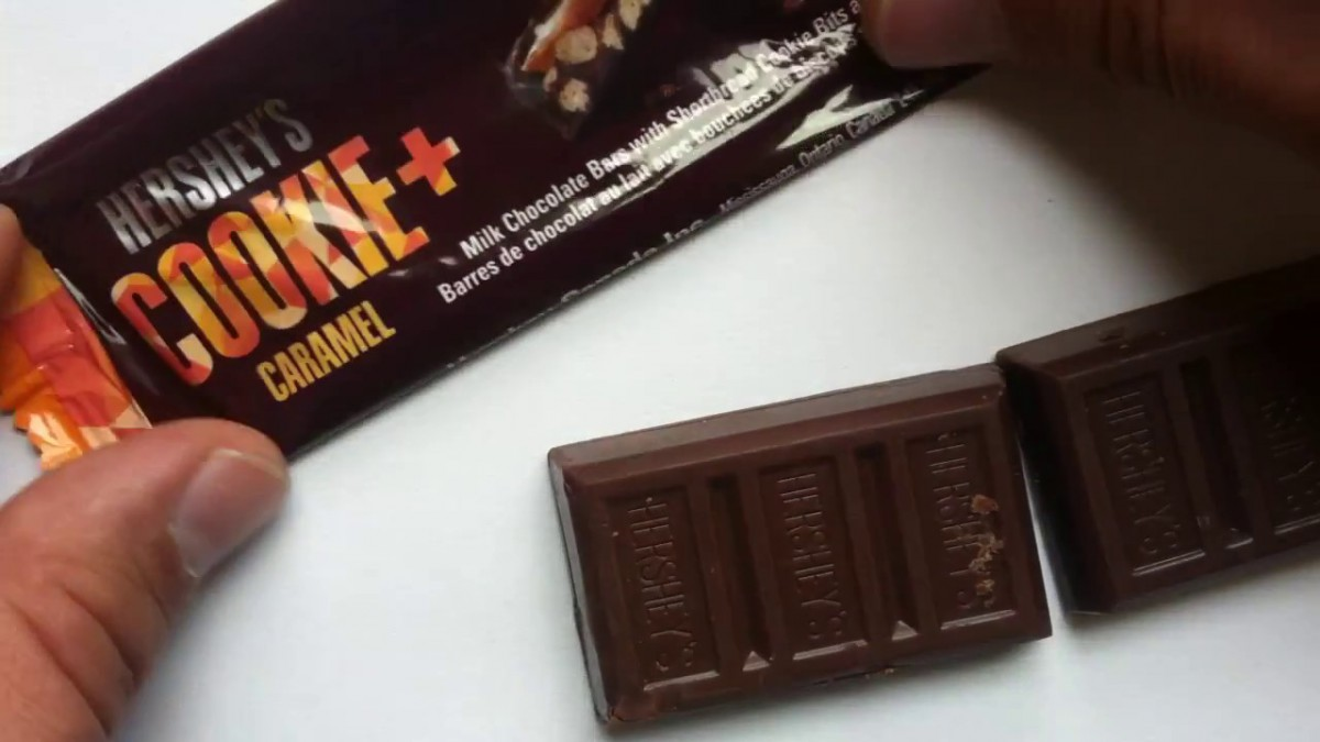 Hershey's Cookie Layer Crunch Caramel Review
