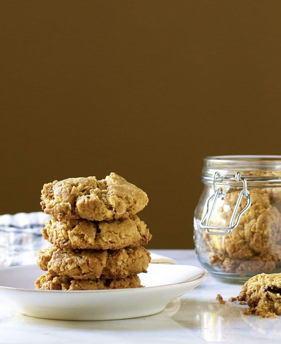 Oatmeal Chocolate Chip Cookies With Toasted Coconut (shortbread