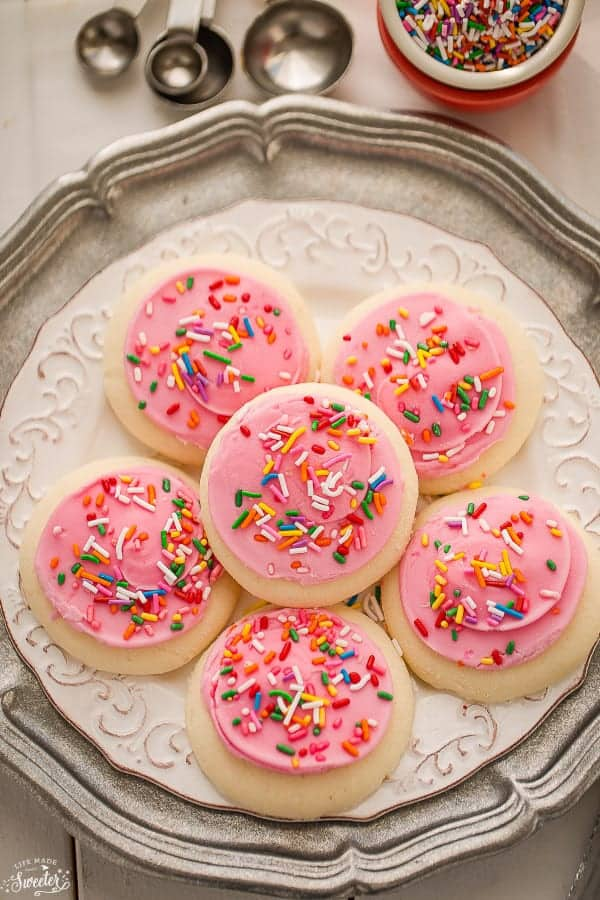 Soft Lofthouse Style Frosted Sugar Cookies With Sour Cream