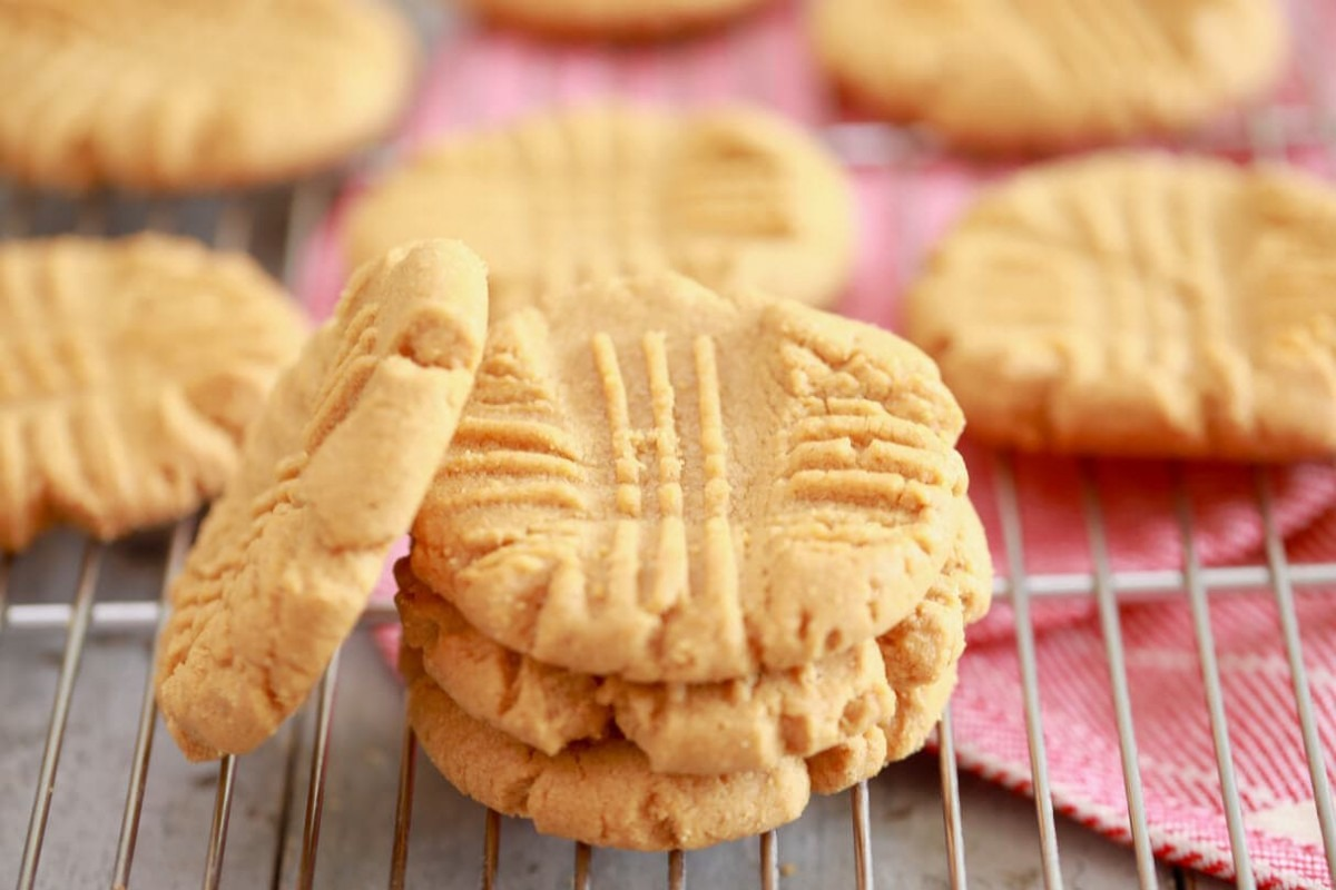 3 Ingredient Peanut Butter Cookies Recipe (+ Video) Bigger Bolder