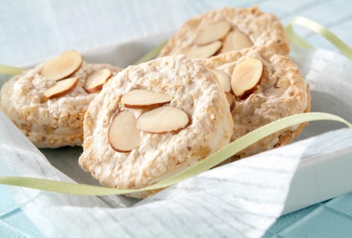 Ginger Cream Meringue Sandwiches