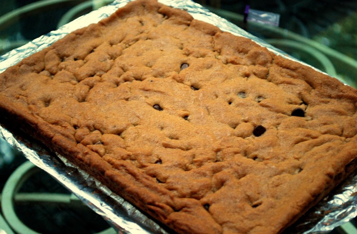 A Girl's Guilty Pleasures  Chocolate Chip Cookie Cake   Cookie Bars
