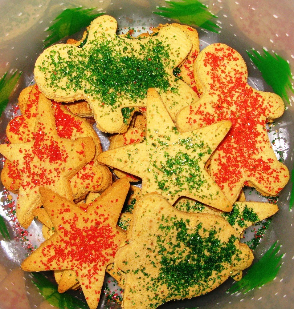 Christmas Cookies With Cinnamon Sugar Sprinkles (vegan)