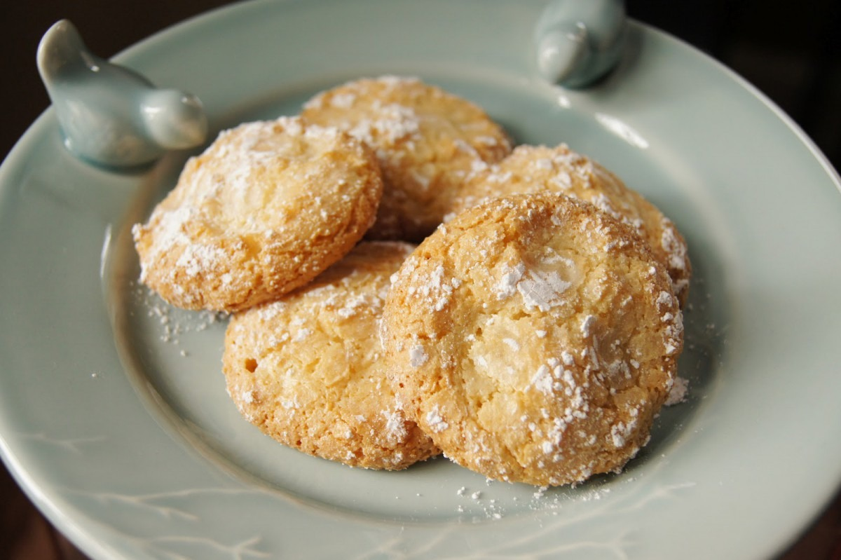 Who Knew Clouds Are So Chewy   Almond Cloud Cookies