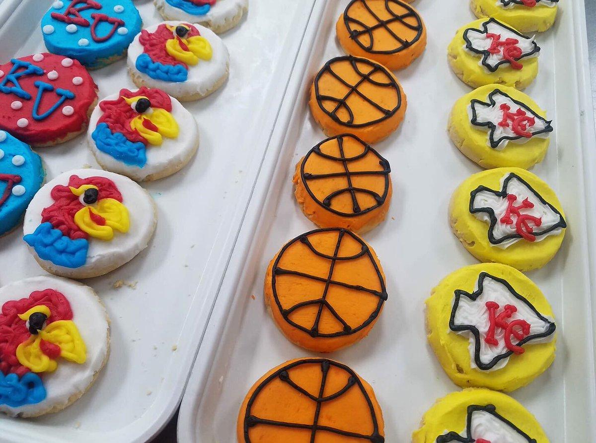 Eileen's Cookies Lk On Twitter   Basketball  Football  Ku  Chiefs