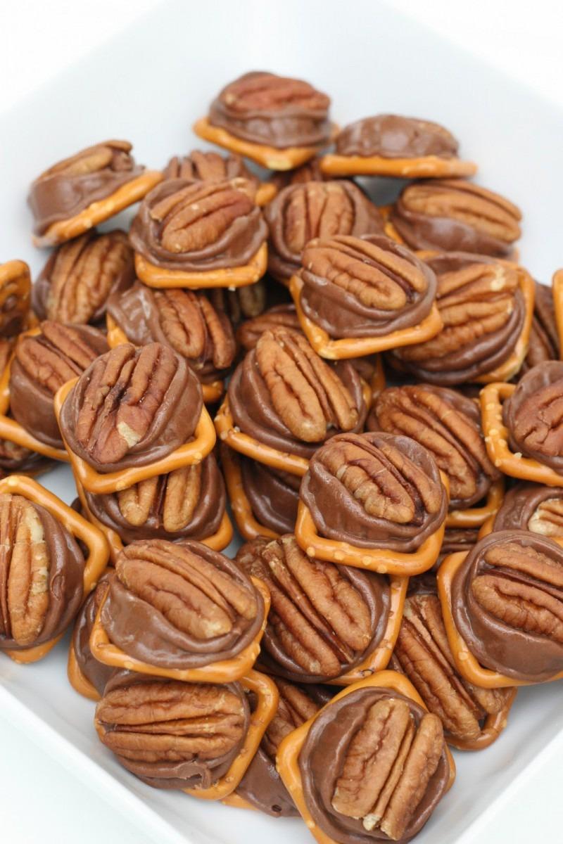 Rolo Pretzel Bites {easy And Delicious!} – Glorious Treats