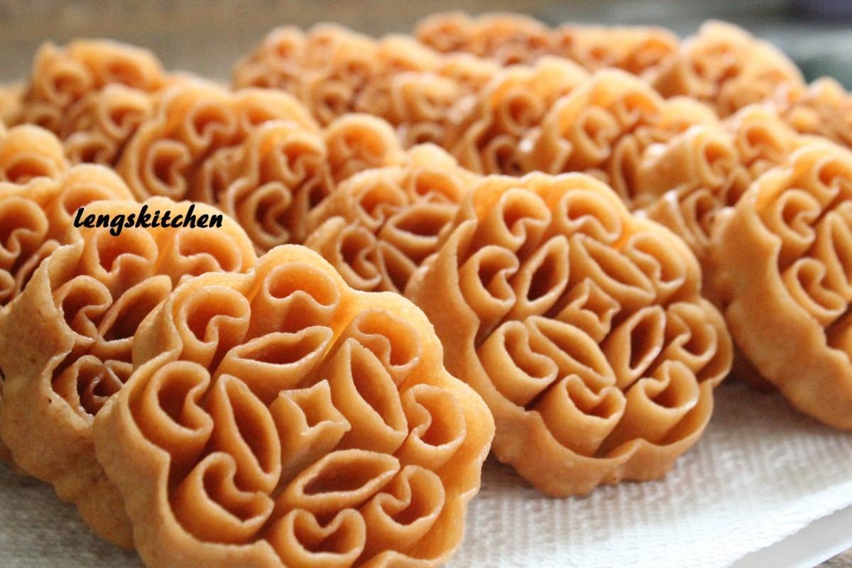 Kitchen Chaos  Beehive Cookies (kuih Rose) 蜂窝饼