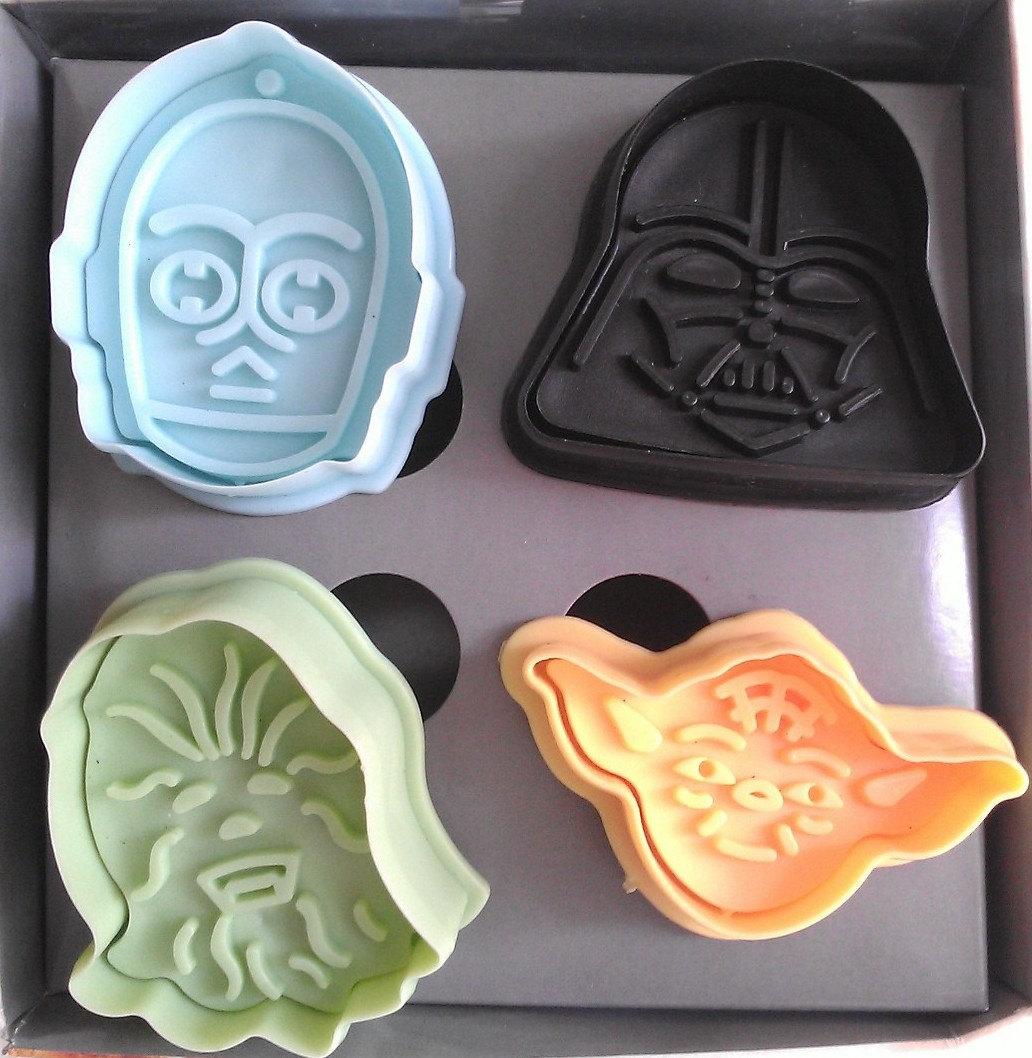15 Star Wars Baking Goodies & Kitchen Accessories