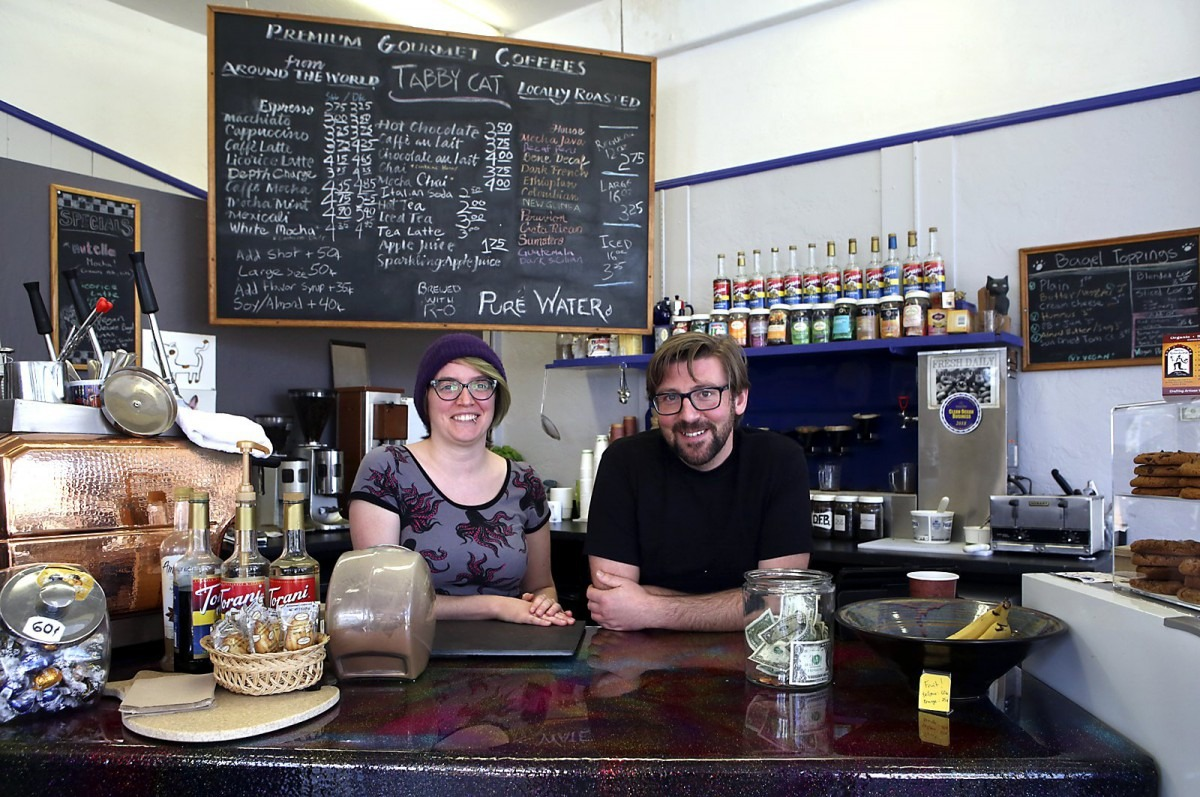 Tabby Cat Cafe Opens Its Paws – Santa Cruz Sentinel