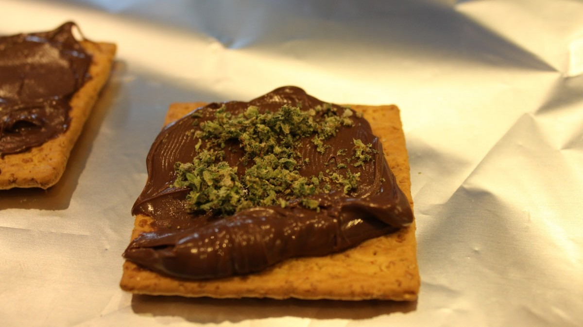 How To Make Edible Weed Firecrackers  Recipe, Instructions & Video