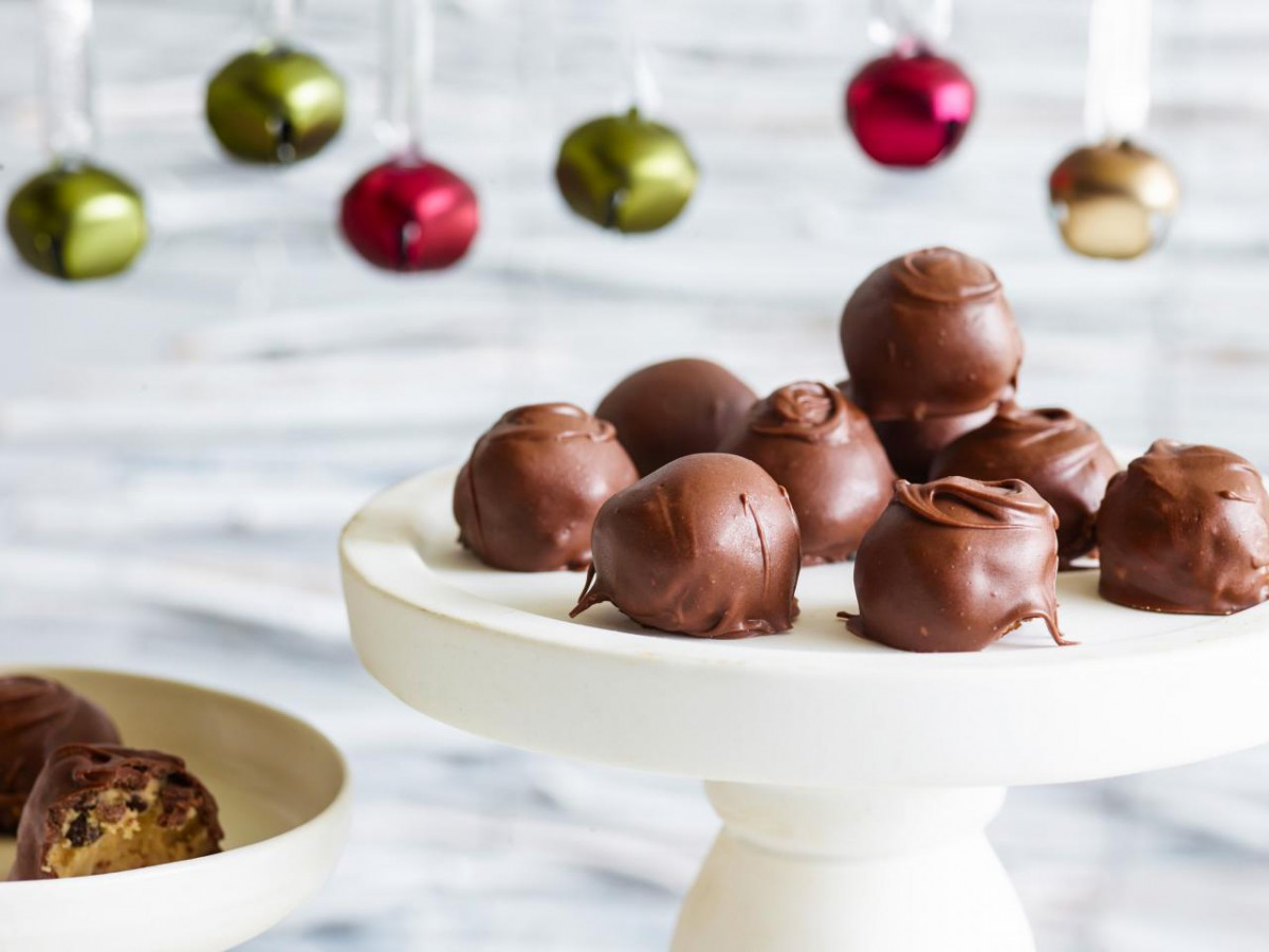 Trisha's Chocolate Chip Cookie Dough Balls