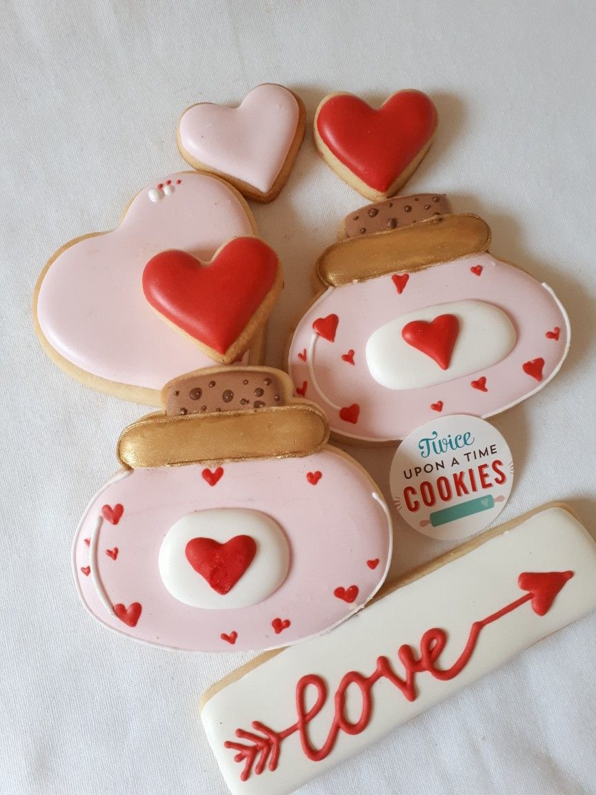 Love Potion  Valentines Day Cookies In Red And Pink Using An