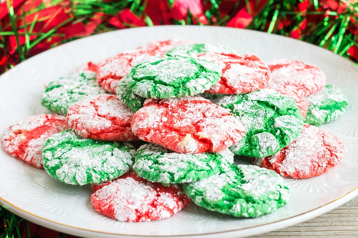 Christmas Crinkle Cool Whip Cookies • Bread Booze Bacon