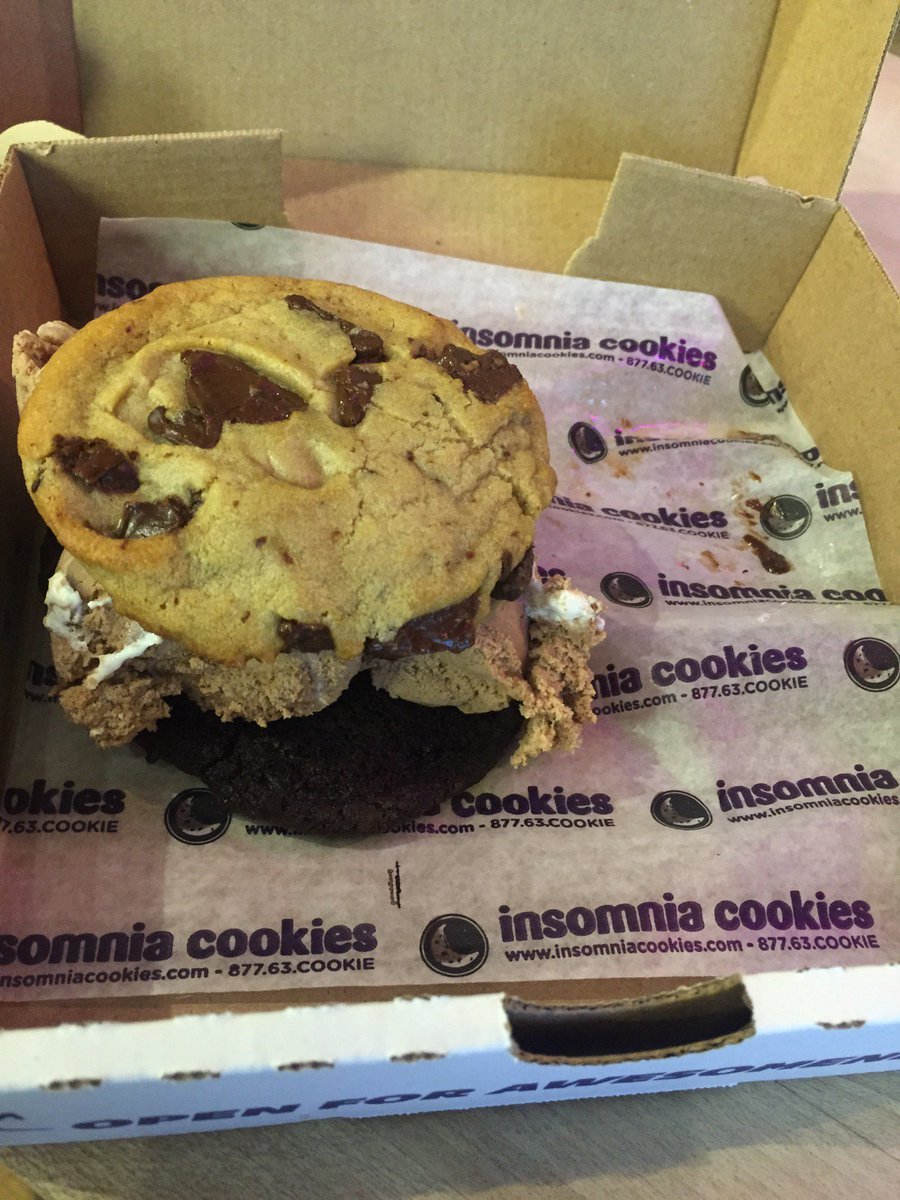Dj Scoop On Twitter   Love It Cookiewich (@ Insomnia Cookies In