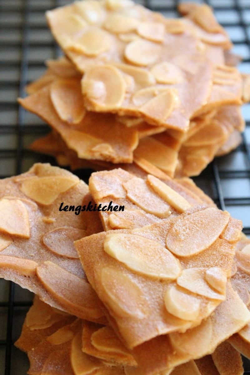Kitchen Chaos  Almond Thins 杏仁片脆饼