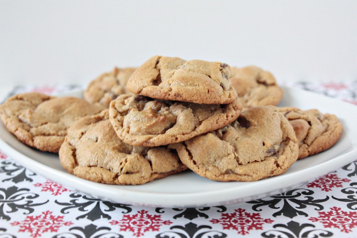 Momma Hen's Kitchen  5 Ingredient Peanut Butter Chocolate Chip Cookies