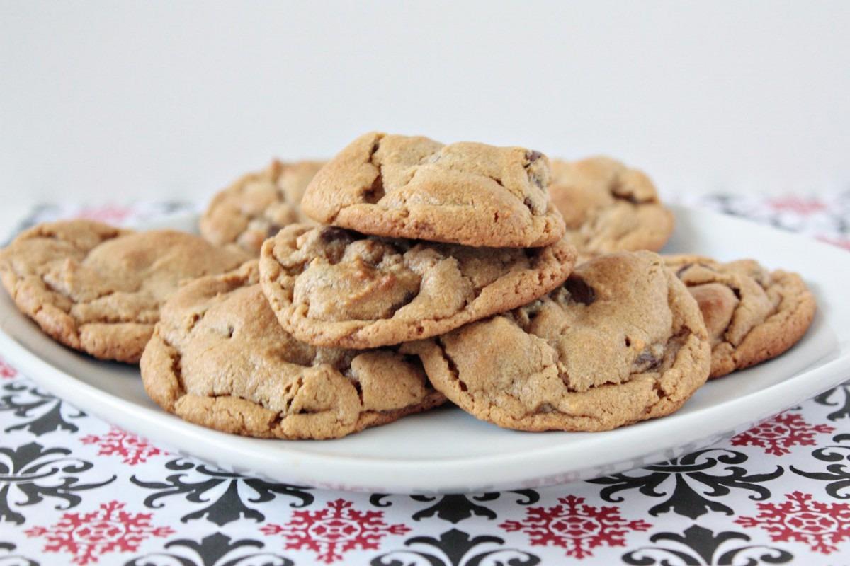 Momma Hen's Kitchen  5 Ingredient Peanut Butter Chocolate Chip Cookies