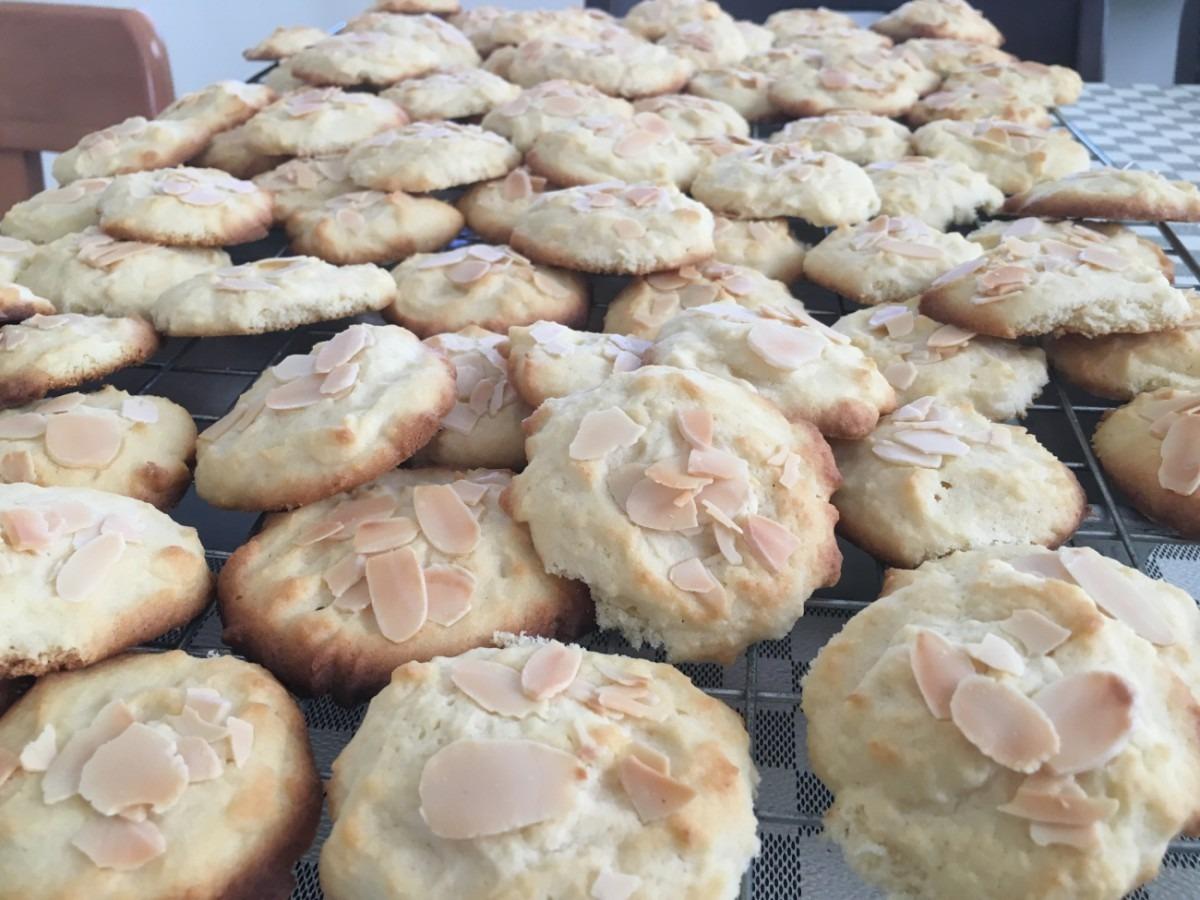 Easy Italian Almond Cookies – 12 Tomatoes
