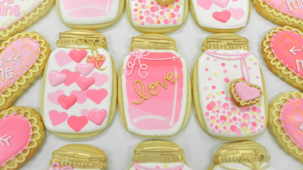 How To Decorate A Pink And Gold Mason Jar Cookie