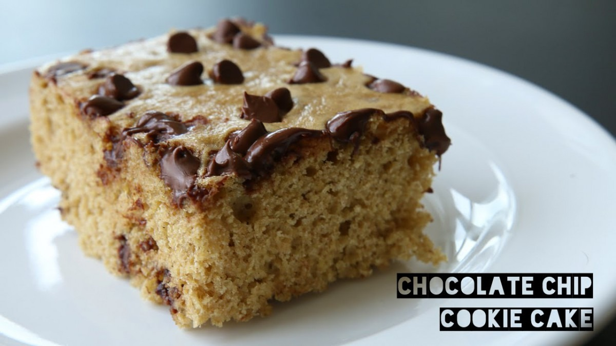 Healthy High Protein Chocolate Chip Cookie Cake Recipe