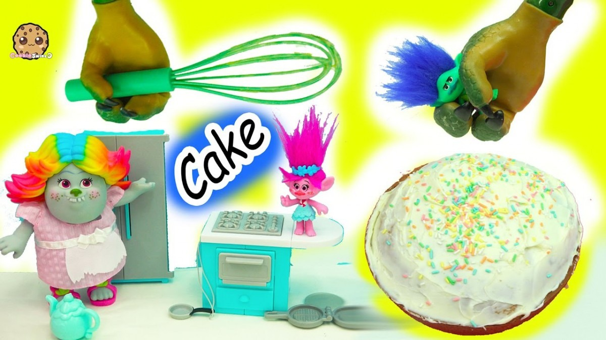 Baking A Cake With Dreamworks Trolls Poppy, Branch And Bergen