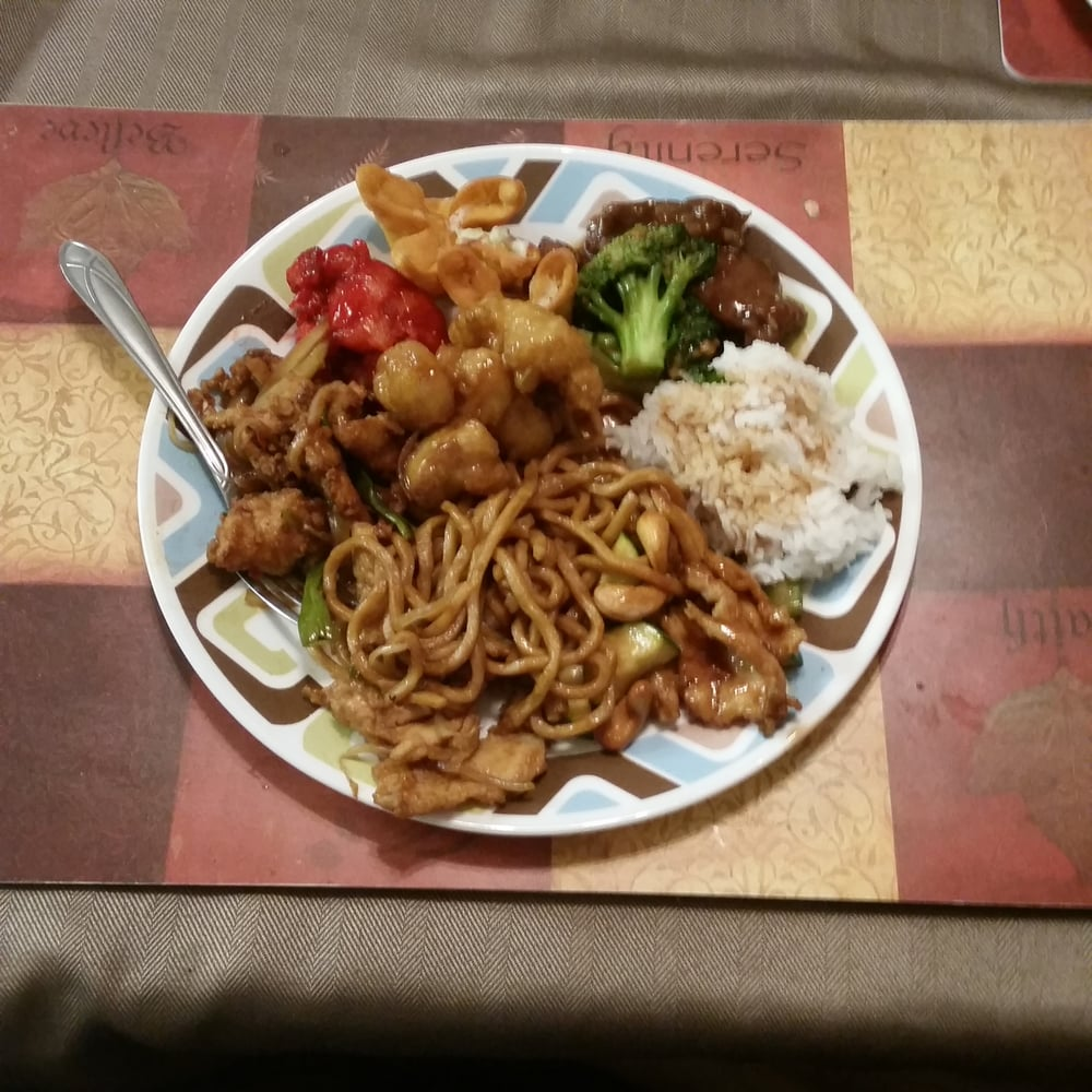 Beef Broccoli, Sweet Sour, Mongolian Chicken, Lemon Chicken