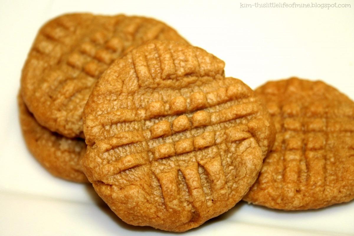 Makin' It Mo' Betta  Peanut Butter Cookies {4 Ingredients; Gf; Low