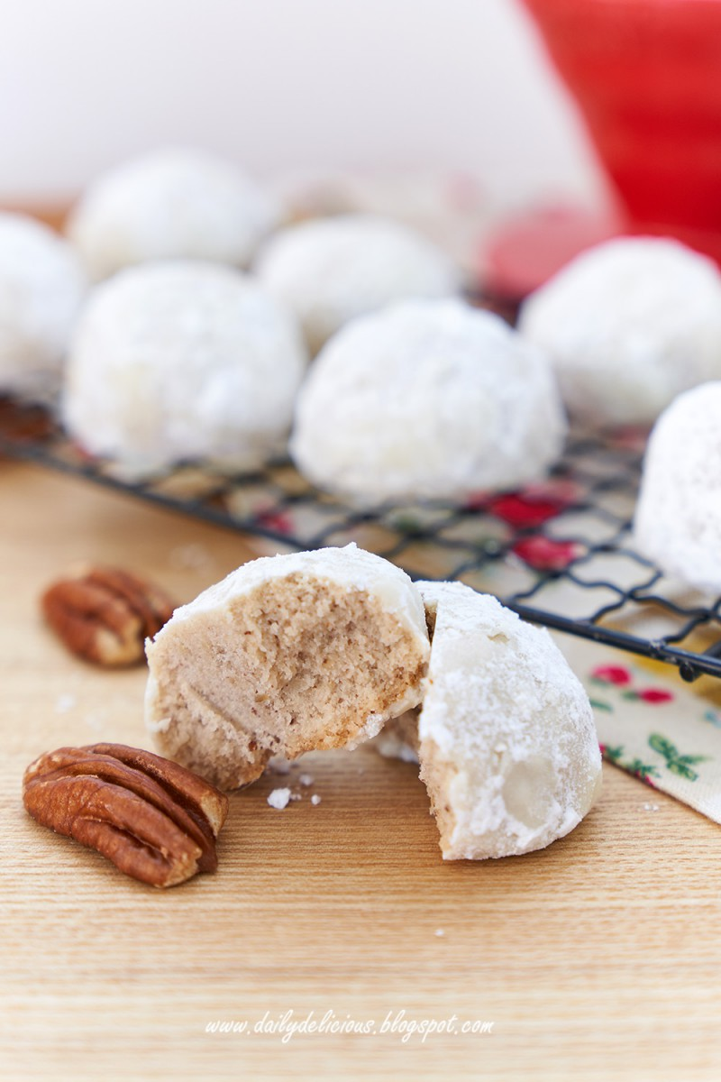 Dailydelicious  Pecan Snowball Cookies