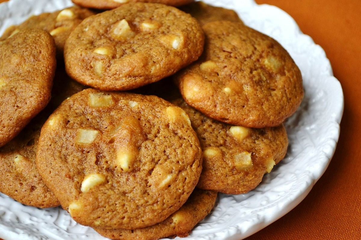 White Chocolate Chip & Pear Pumpkin Cookies